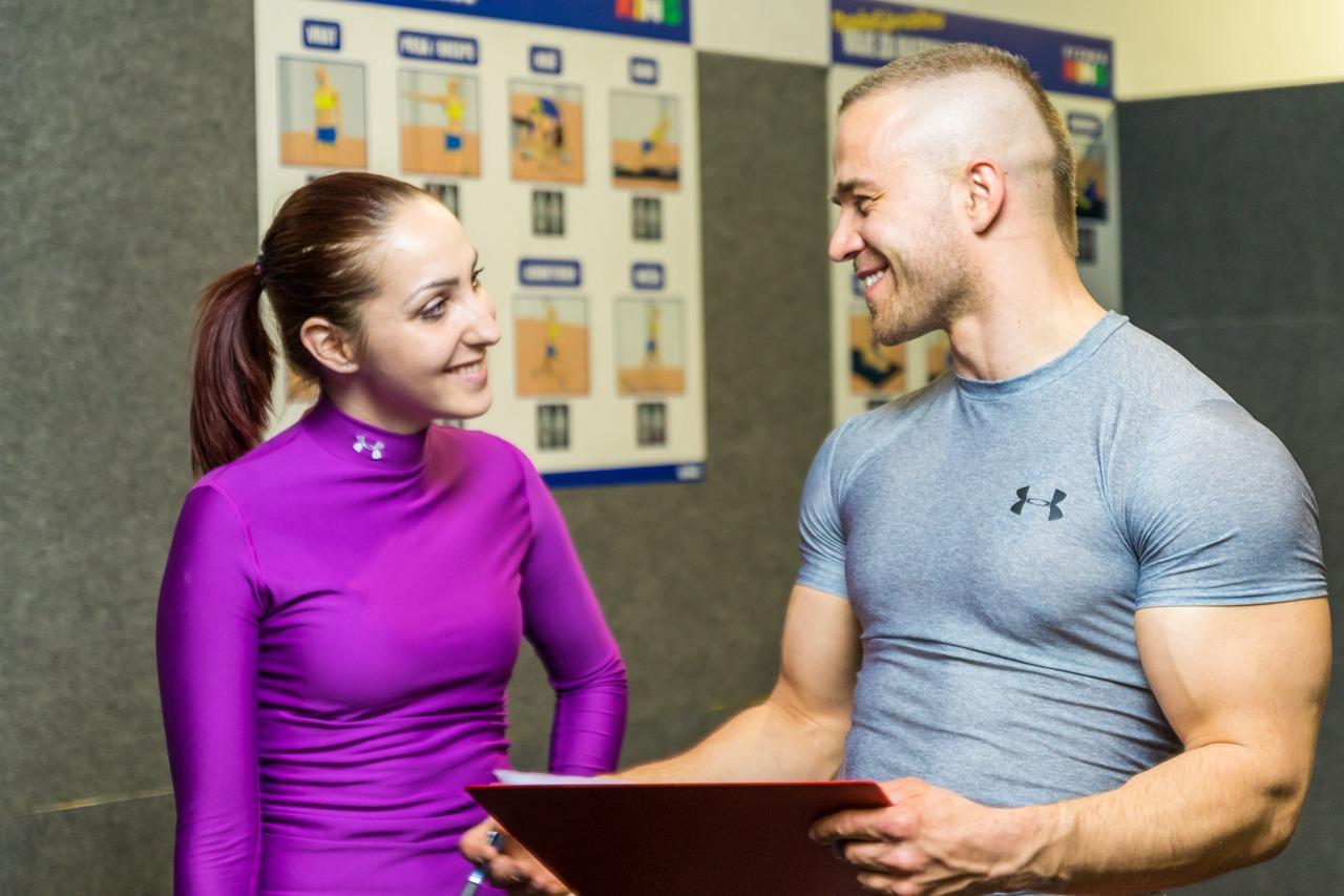 eurobsn.com-Les vraies et fausses idées sur la musculation chez les femmes-Il est nécessaire de se tourner vers un coach qualifié